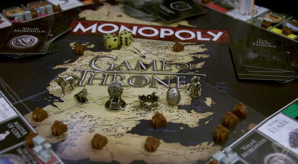 Pions, dés et maisons du Monopoly Game of Thrones